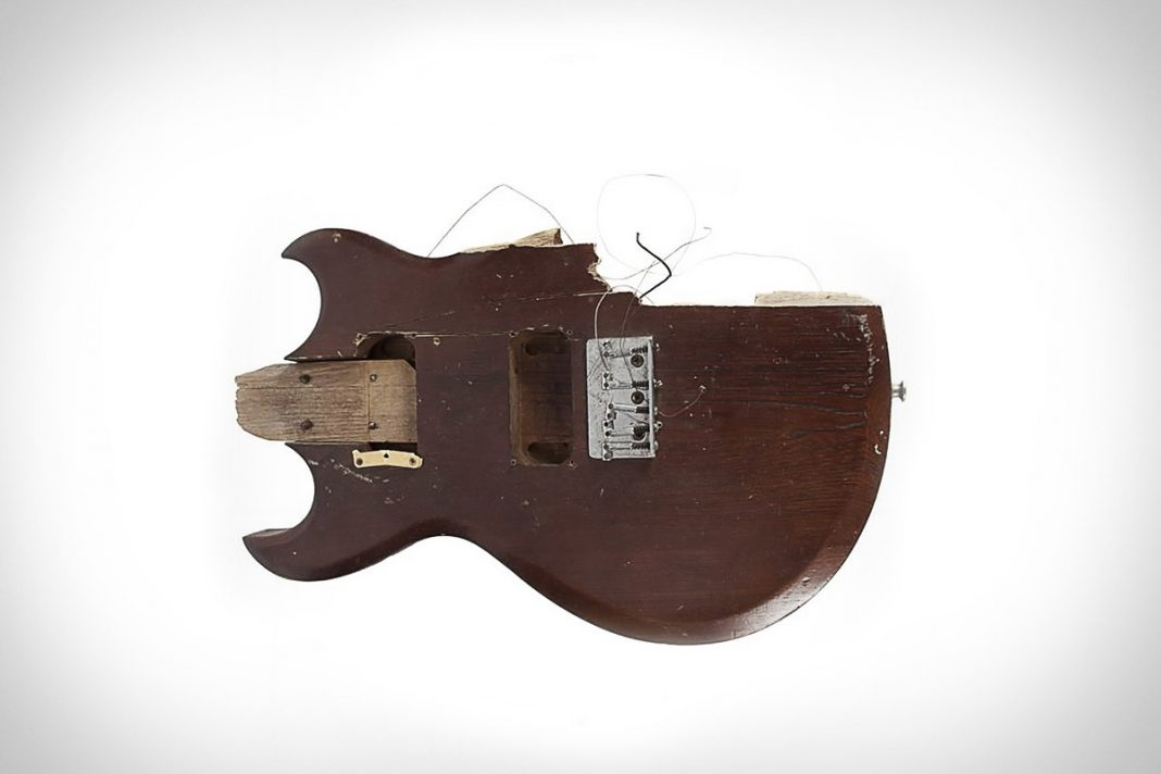 Kurt Cobains smashed guitar