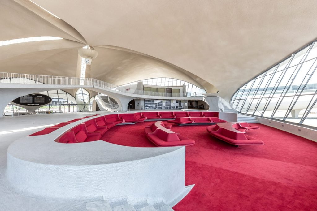 Re-designing an old airport into a modern hotel