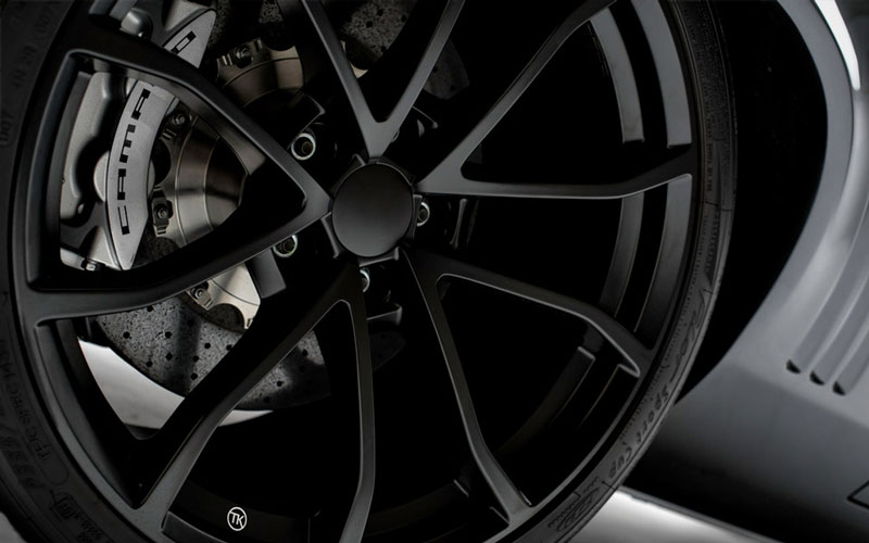 OEM Corvette Z06 wheels with 325 tires up front and 345 in the rear.