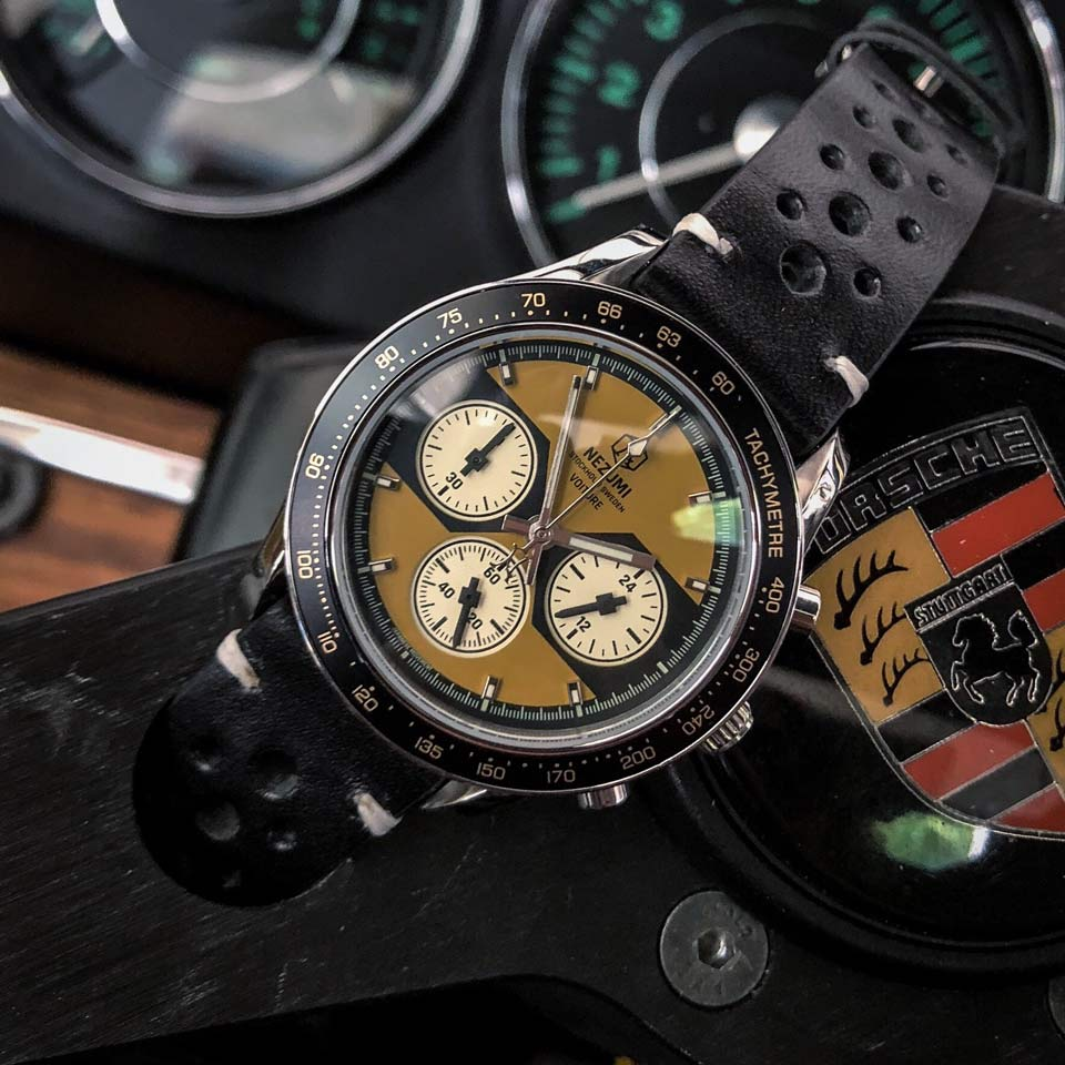 The Voiture is a classic chronograph inspired by the 60s and 70s racing era.