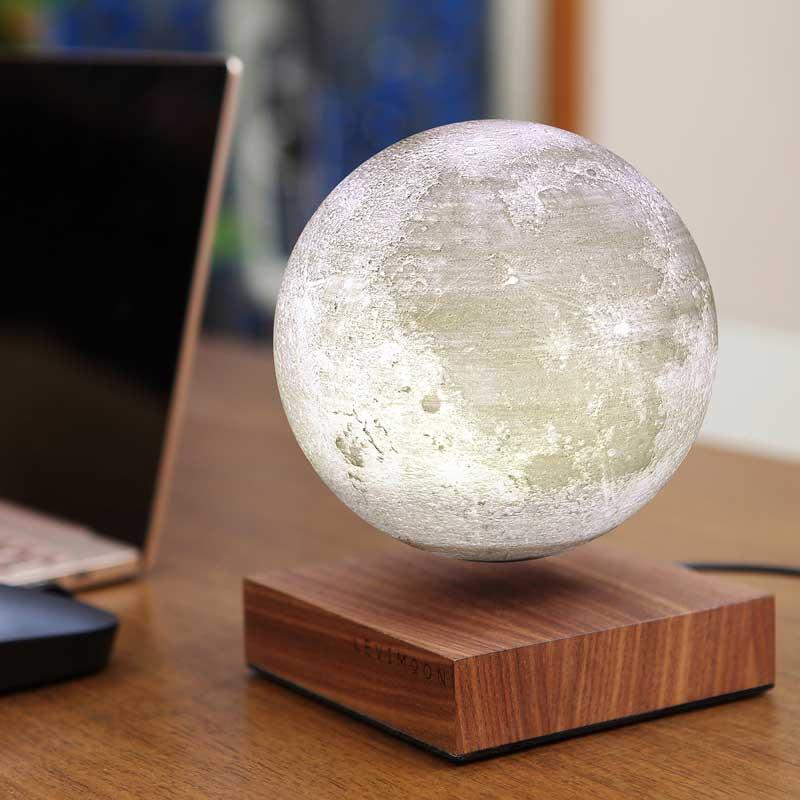 Bordlampe med svævende måne