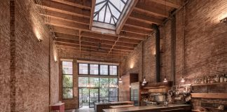 Warehouse Converted Into New York Chelsea Townhouse