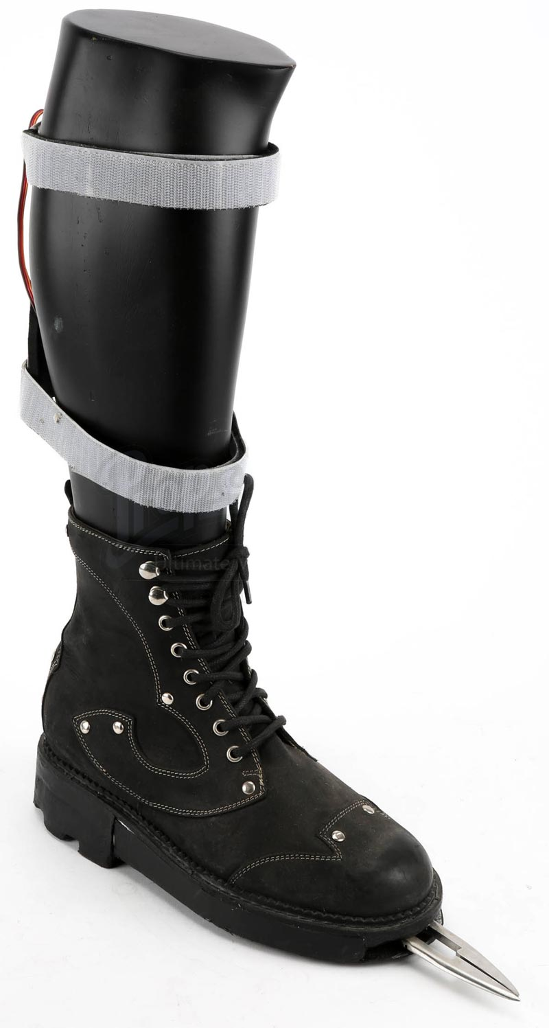 Jessica Biel's bladed boot from Blade Trinity