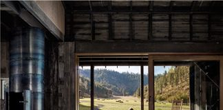 Canyon Barn: Renovating a barn into a modern home