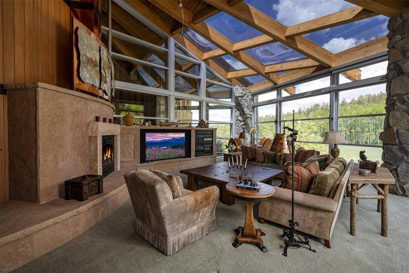 Casteel Creek Retreat: western-themed mansion in Colorado