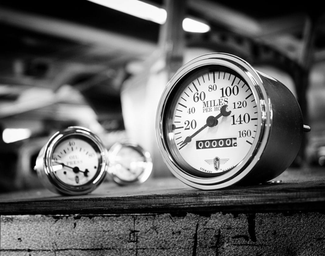 Best Classic Gauges For your Classic Car stewart warner gauges