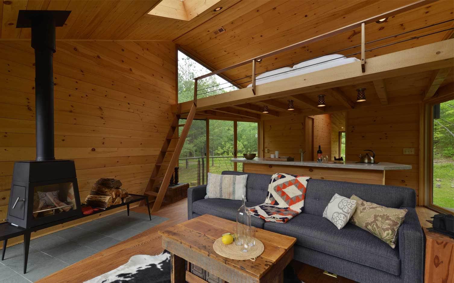 Modern tree house design by Antony Gibbon Woodstock