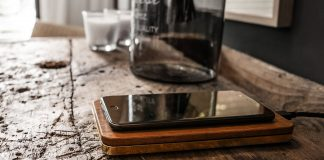 The Brick is a Vintage-style Wireless Charger by Balolo