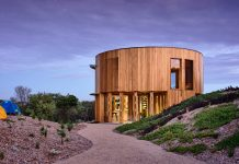 The St Andrews Beach House by Austin Maynard Architects