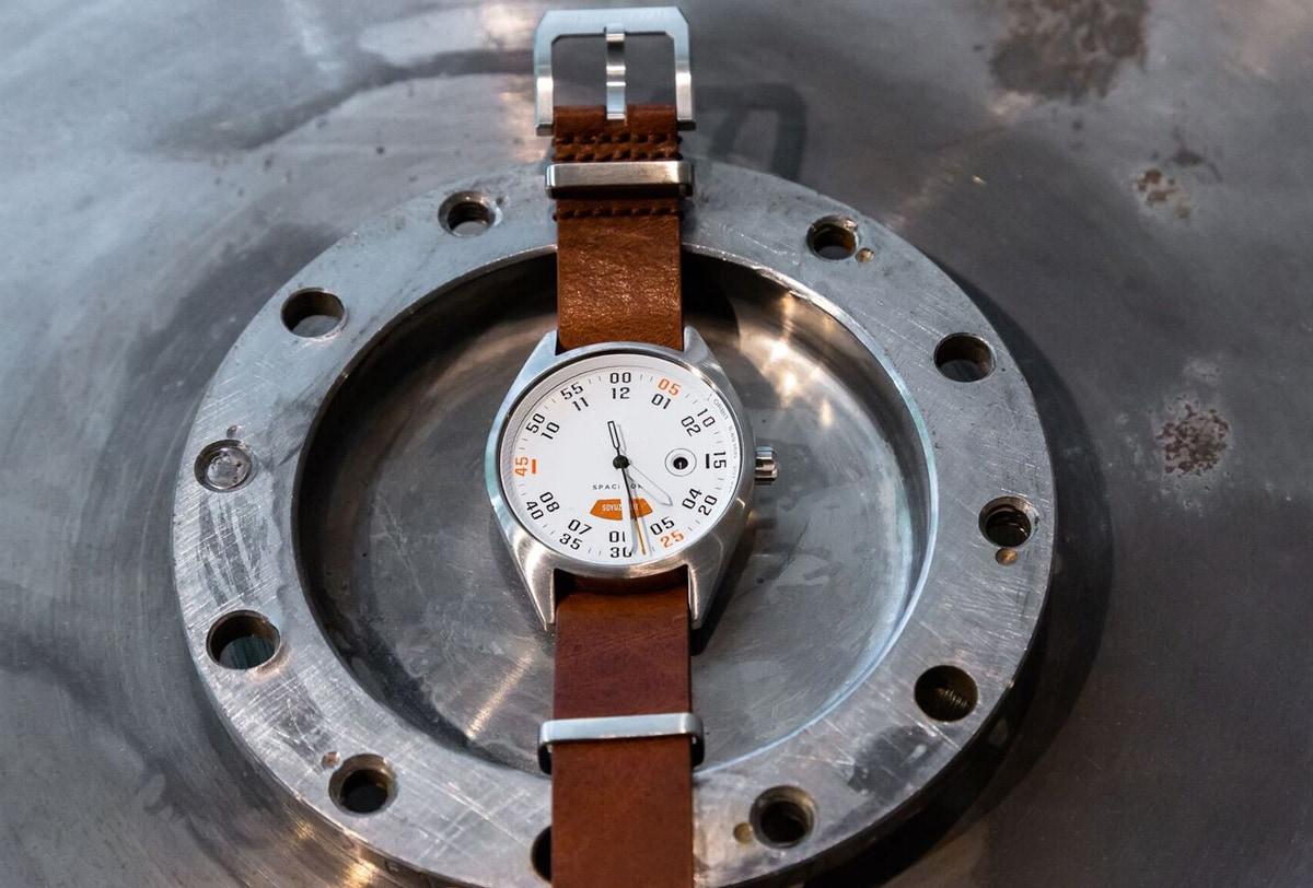 Werenbach Mach 33: Watch made of rocket material by Werenbach