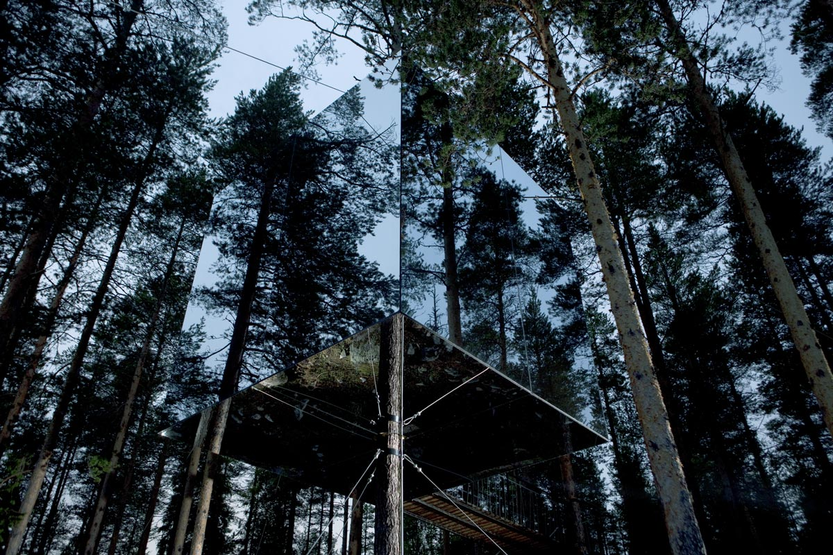 Hideout In The Trees: Mirrorcube Tree House