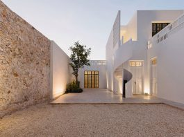 Filux Art Laboratory: Art And Architecture Combined In Former Colonial House