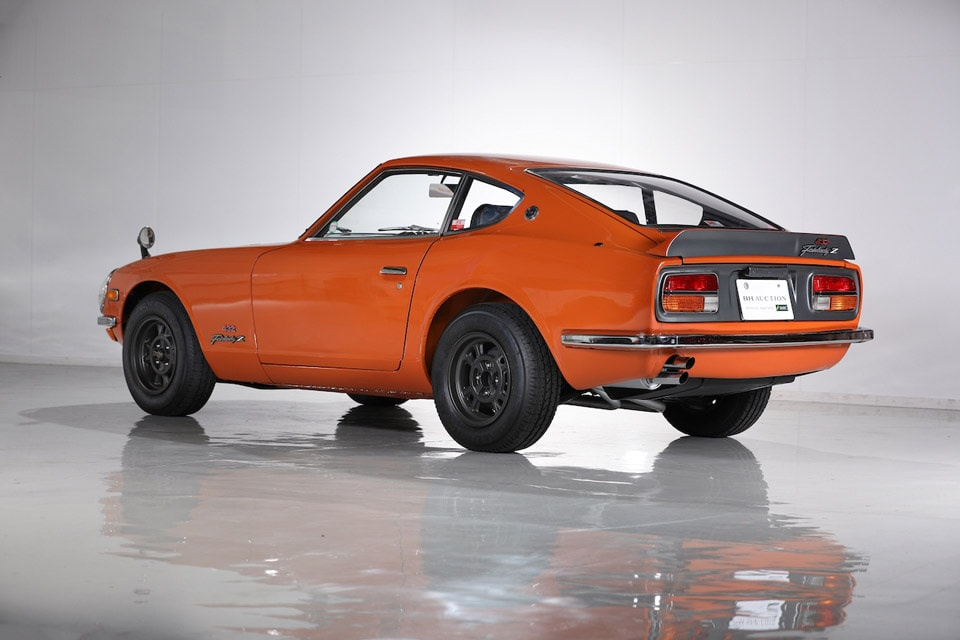 Original Nissan Fairlady Z432R Racing Edition