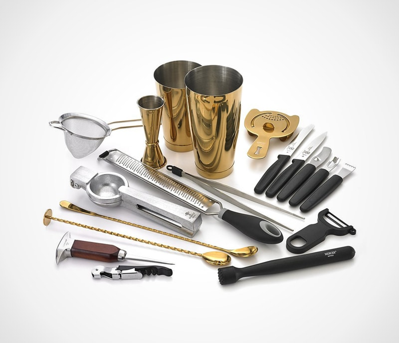 Deluxe cocktail set: fine barware for the professional bartender and home enthusiast