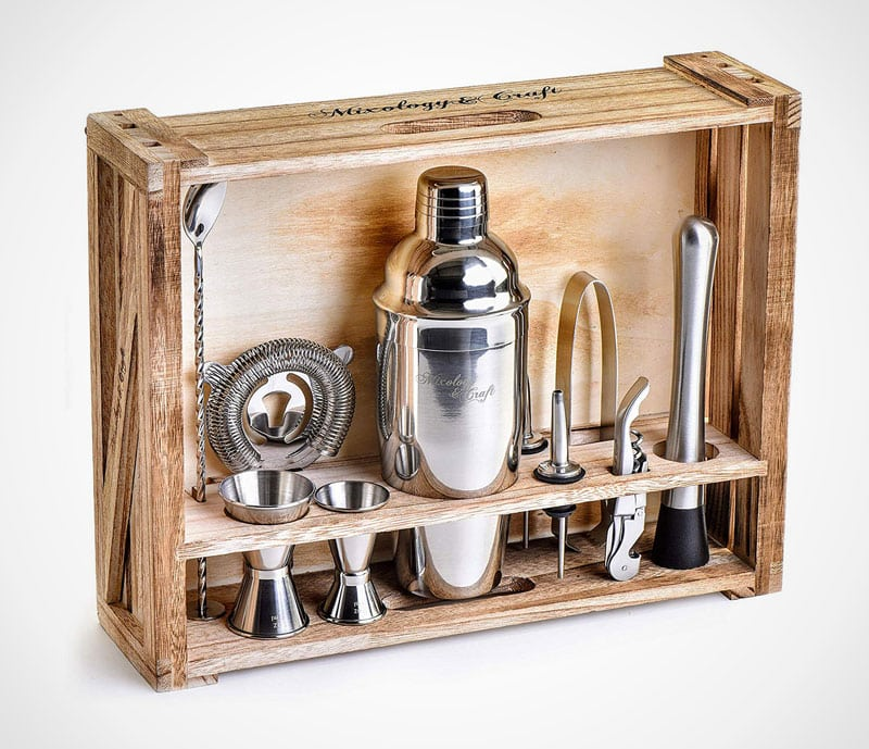 Rustic Bar set: a perfect present for an upcoming cocktail connoisseur