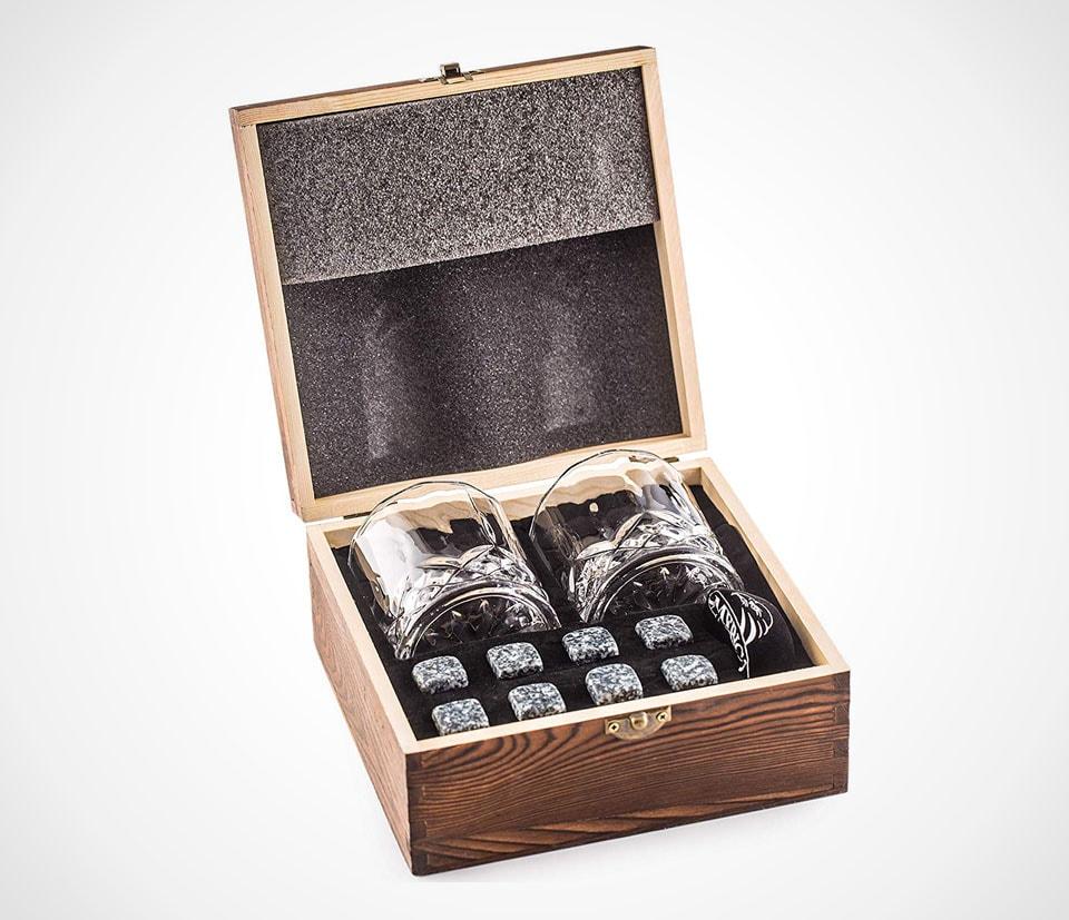 Old fashioned whiskey glasses gift set by Amerigo