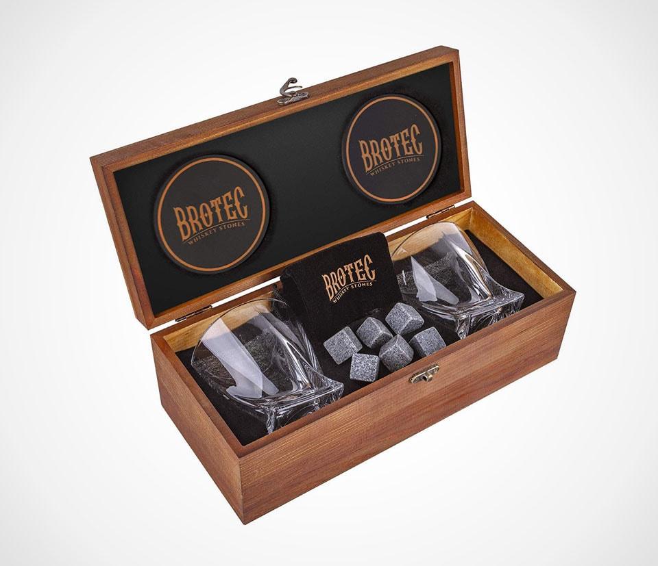 Twisting crystal whiskey shot glasses gift set by BROTEC