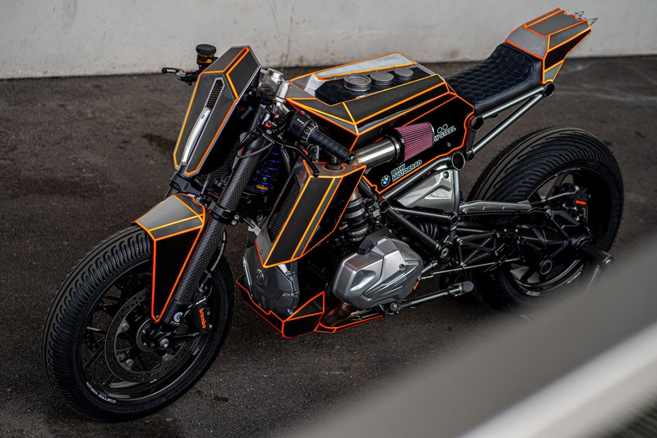 Modified BMW R1250 GS Is DeLorean Meets Tesla Cybertruck, Bladerunner VS Tron 11