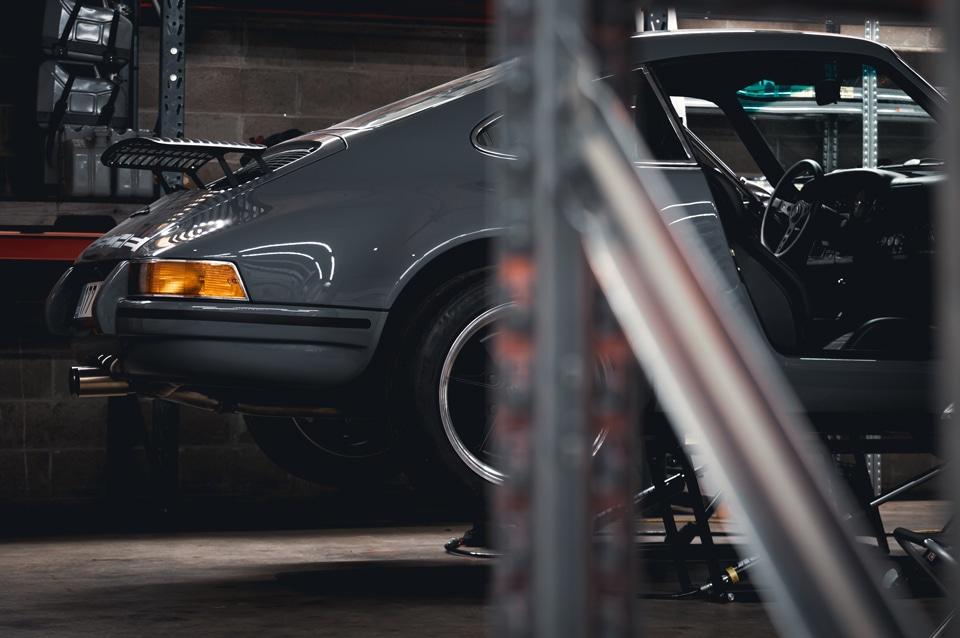 Restomod Porsche 964 rear