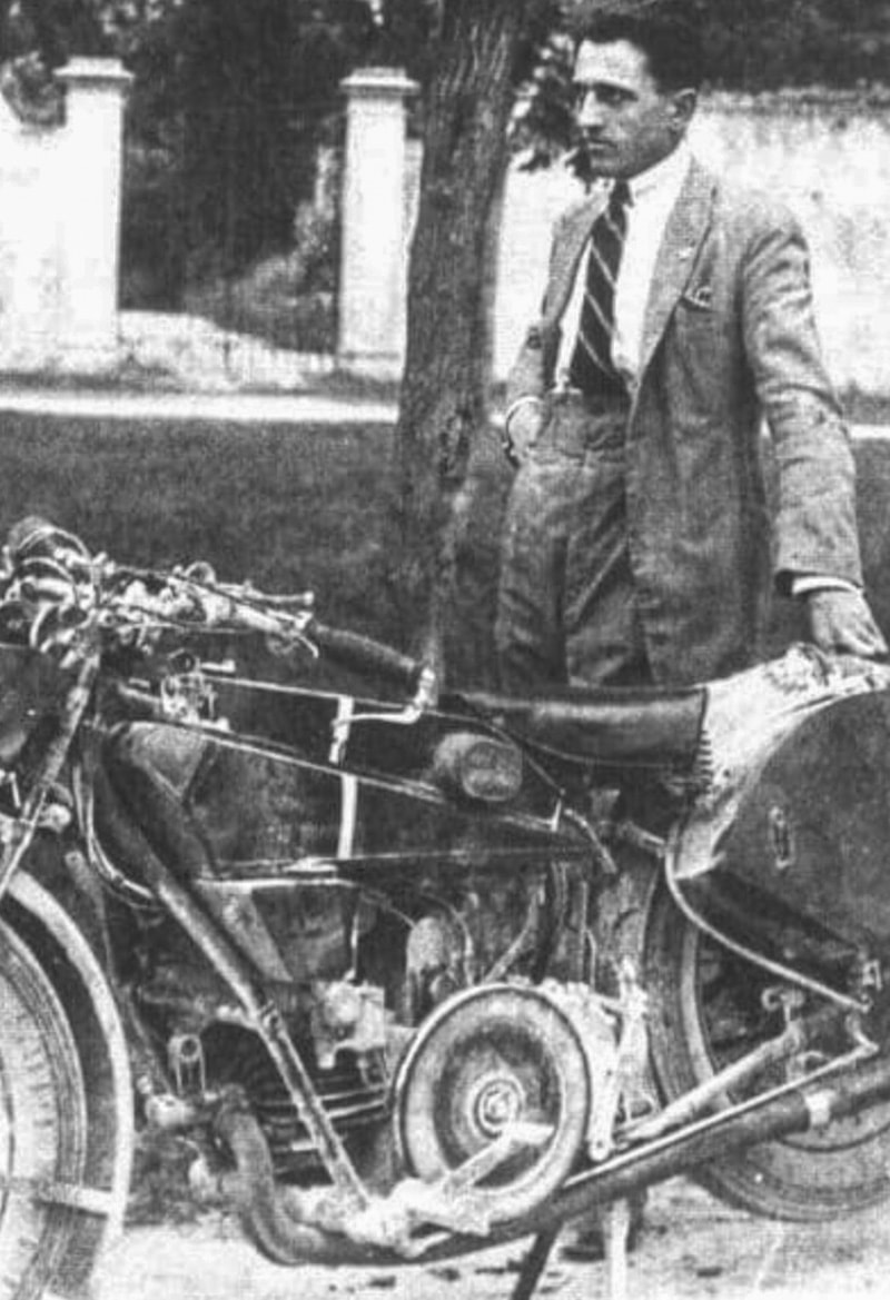 Giuseppe Guzzi with the Norge GT500