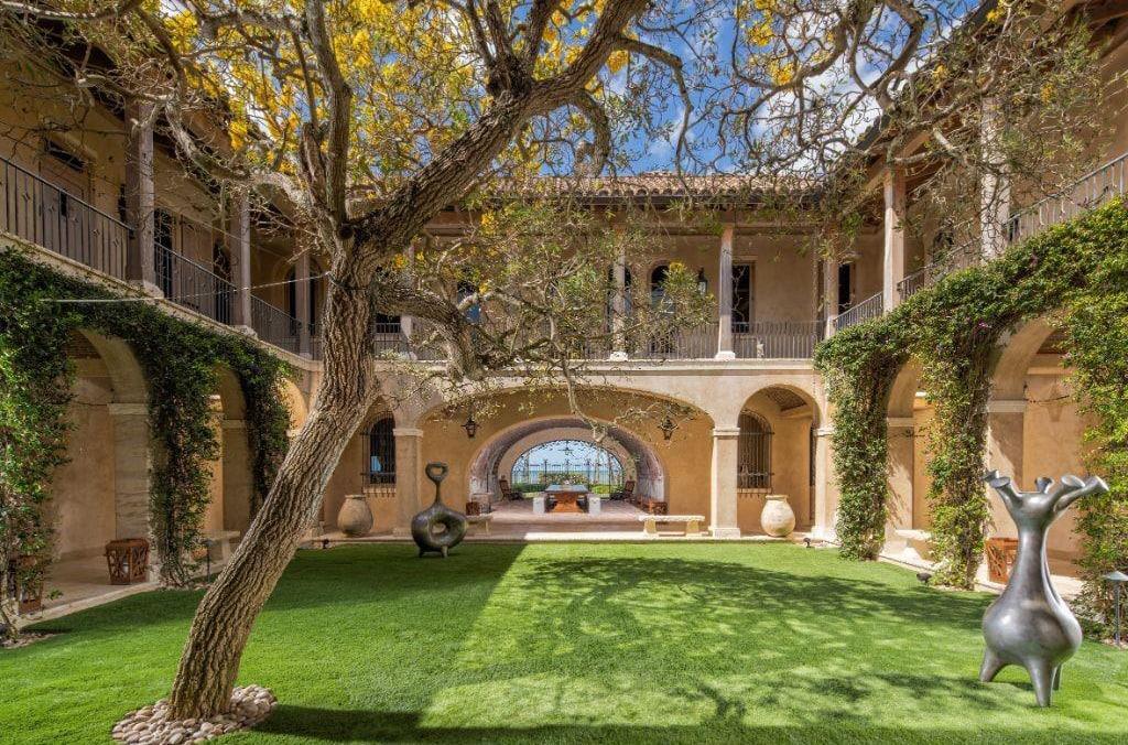Aesthetically Pleasing Courtyard