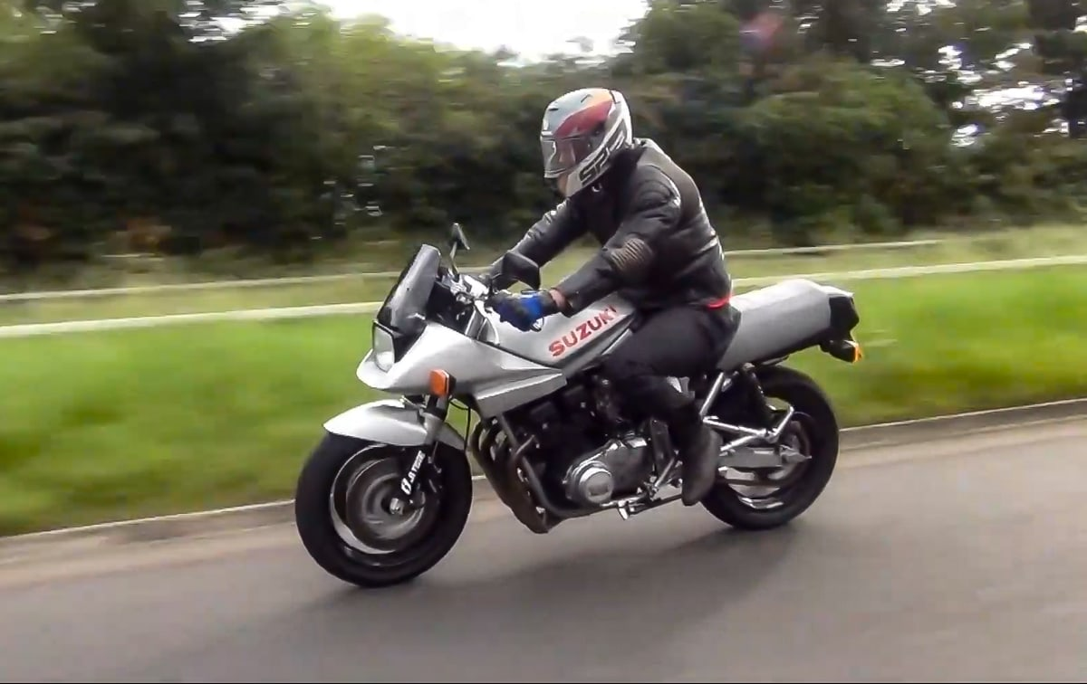 Suzuki Katana riding position