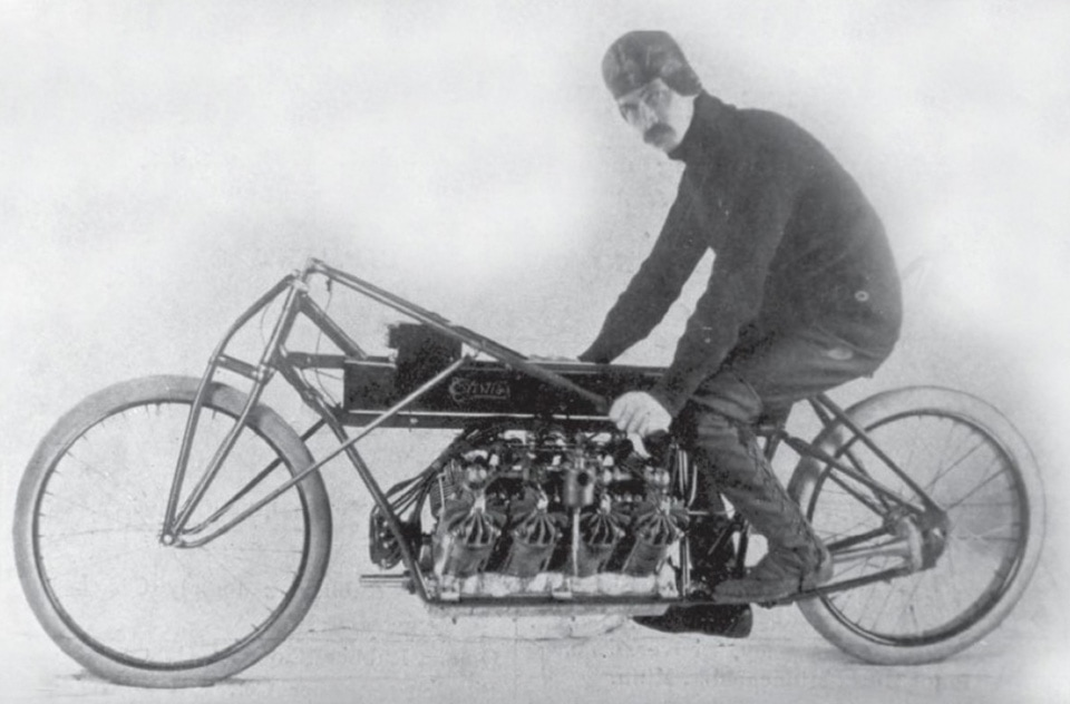 Glen Curtiss on his 4000cc V8 powered motorcycle
